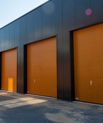 Bedrijfsverzamelgebouw project - Alpha deuren Zuid-West